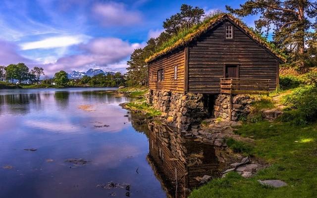 summer cottage wallpaper - photo #6